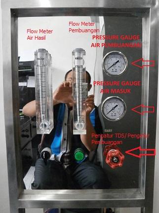 Perhatikan Pressure guage atas berfungsi untuk mengukur tekanan air pembuangan sedangkan pressure guage bawah mengukur tekanan air masuk